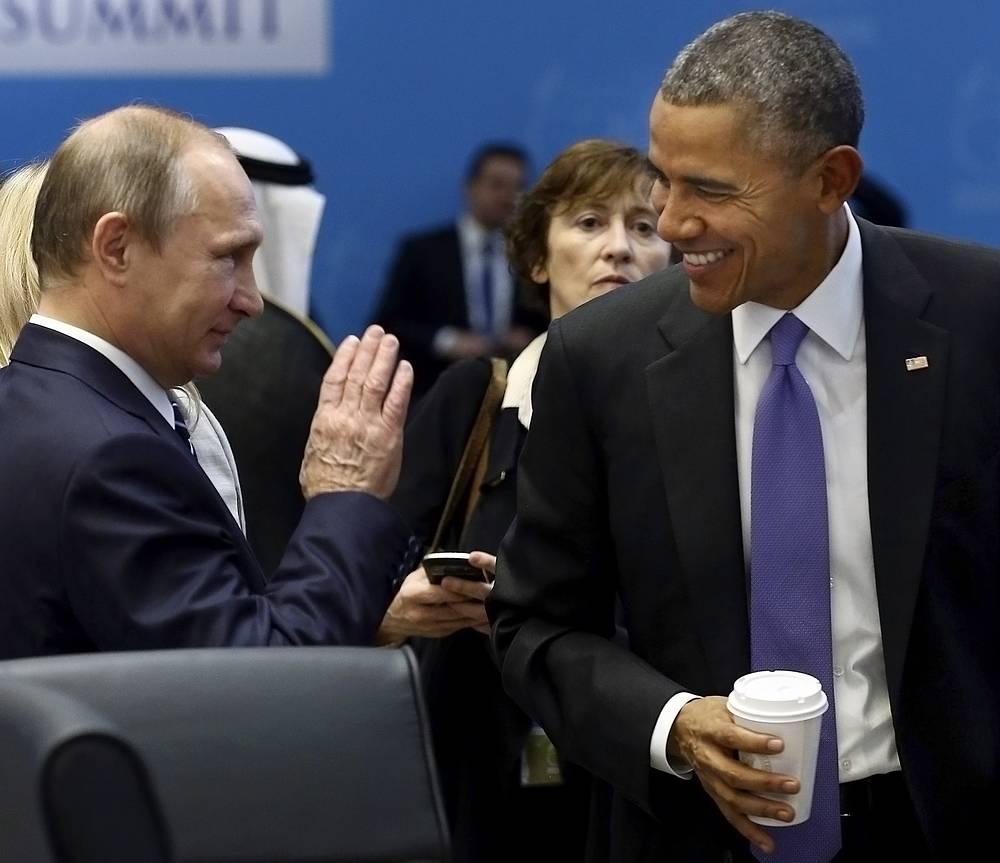 Беседа президентов РФ и США была конструктивной, отметил пресс-секретарь российского лидера Дмитрий Песков. Вместе с тем он призвал не ожидать от краткой встречи качественного перелома в двусторонних отношениях. На фото: президент РФ и президент США на саммите G20 в Анталье, Турция, 16 ноября