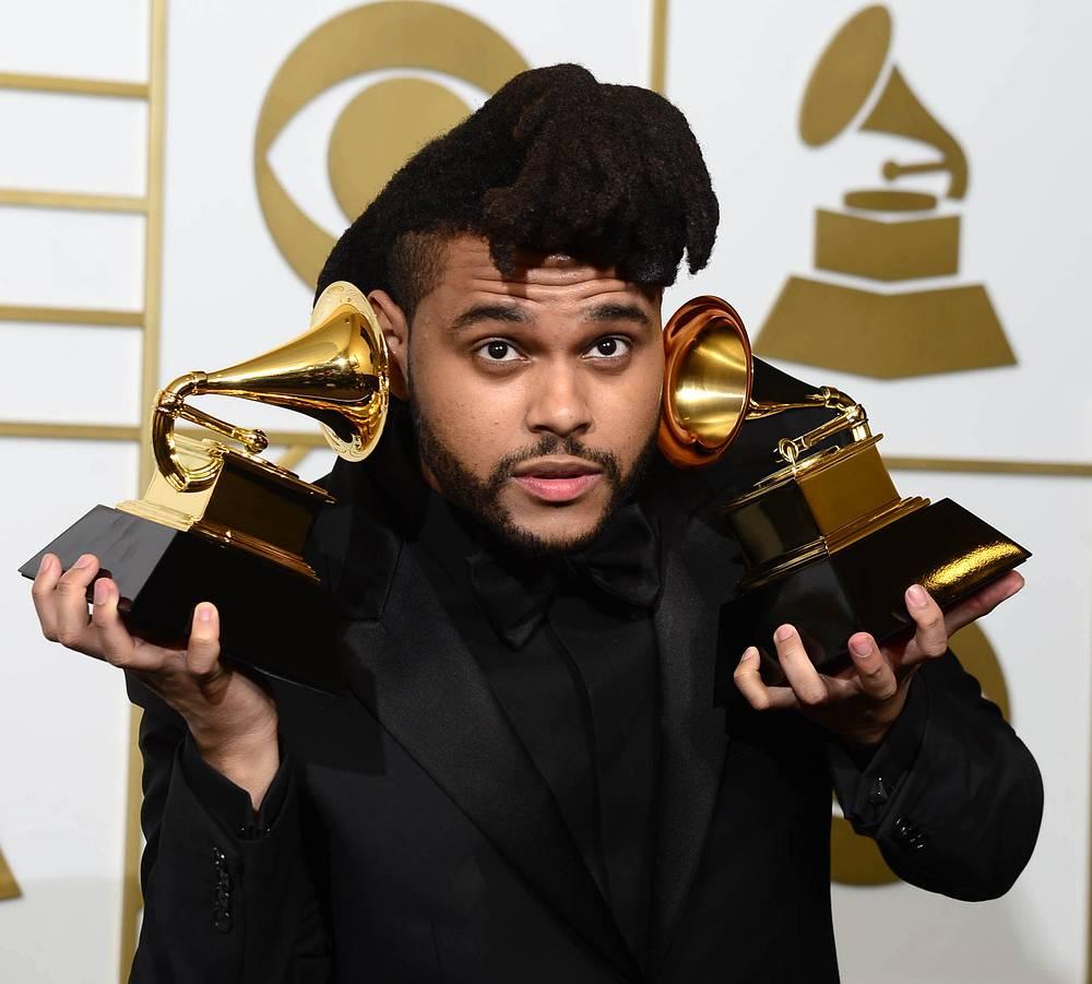 """Канадец The Weeknd получил две награды в номинациях """"Лучшее R&B-исполнение"""" и """"Лучший современный урбан-альбом"""""""