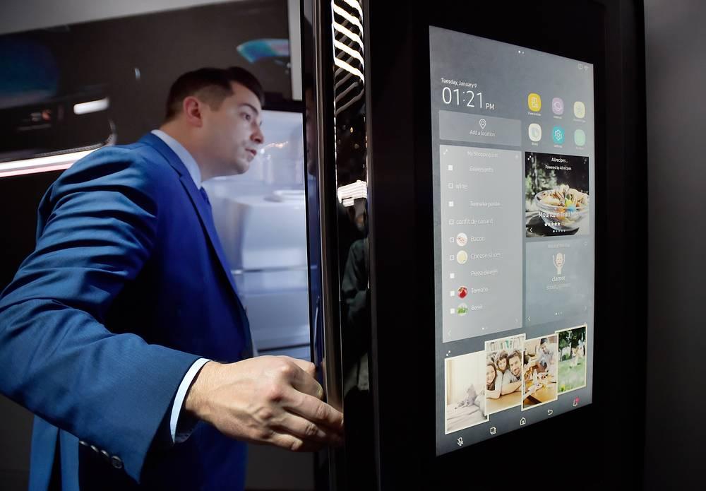 """""""Умный"""" холодильник Samsung"""
