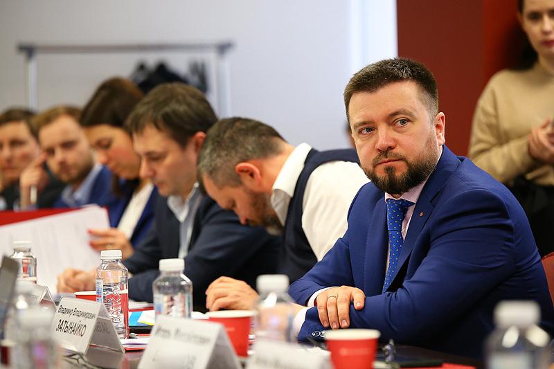 """Генеральный директор  АО """"Электрификация"""" Владимир Затынайко"""