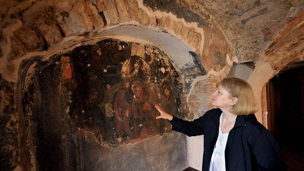 Фресковое изображение Софии - Премудрости Божией, обнаруженное при реставрации