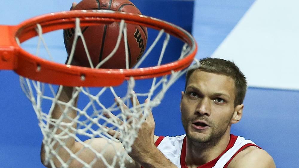Игрок сборной России Максим Григорьев