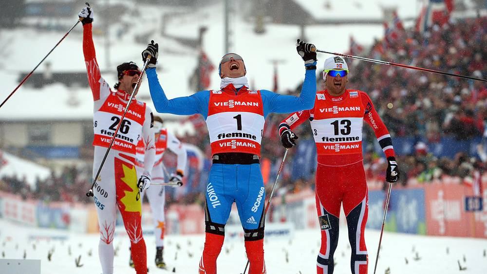 Никита Крюков (в центре)