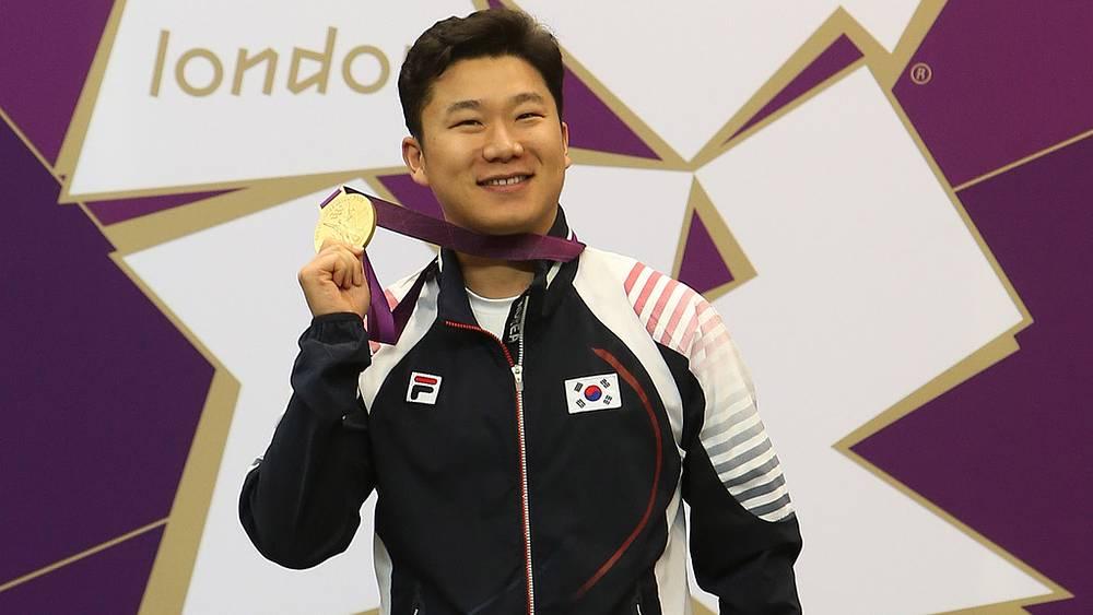 Южнокореец Чжин Чон О выиграл золотую медаль в пулевой стрельбе