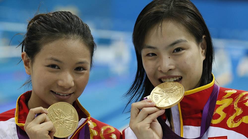 Победительницы в синхронных прыжках с 3-метрового трамплина