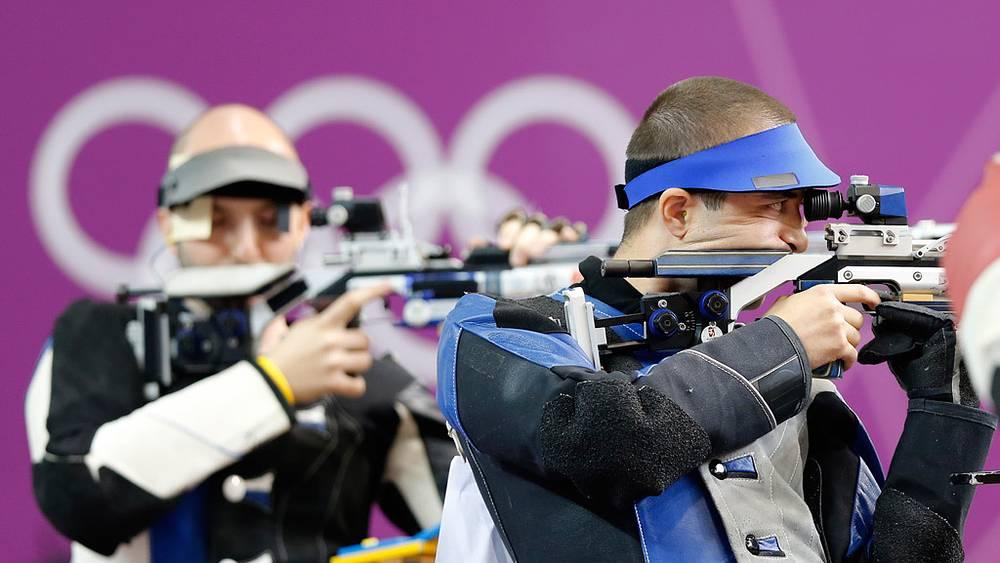 Алин Молдовану (справа)