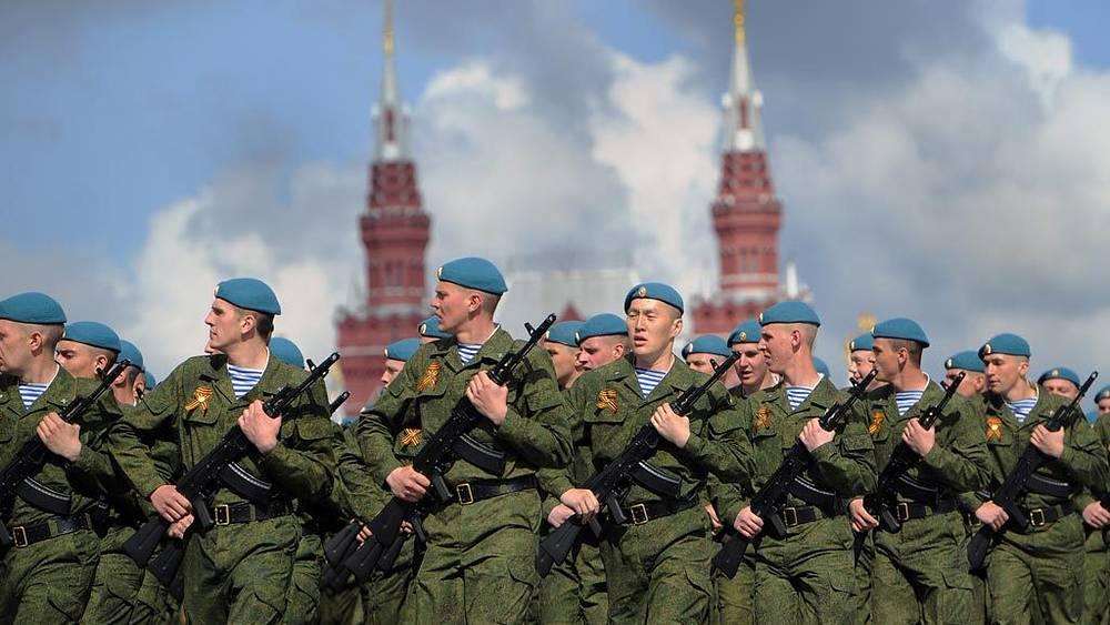 Участники военного парада