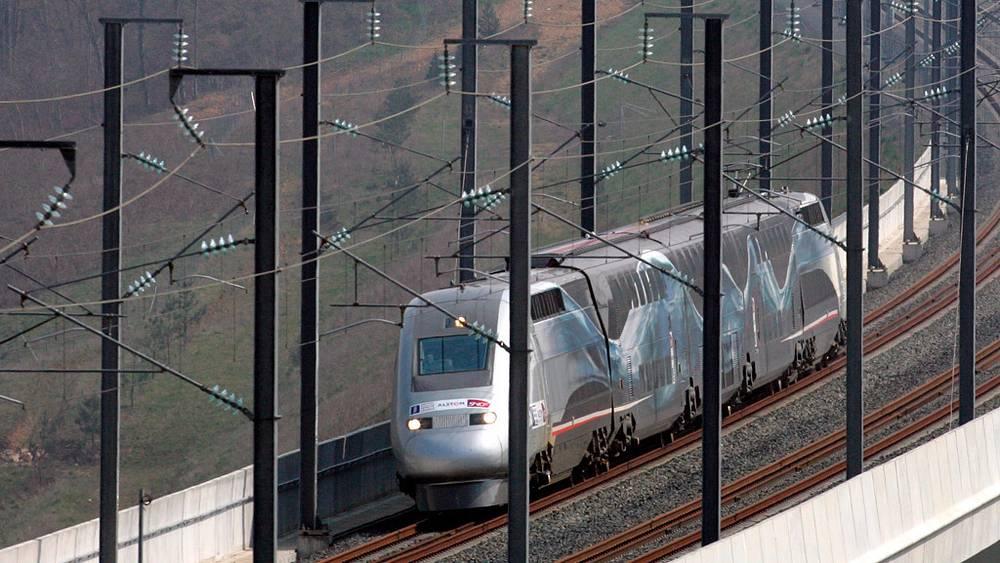 Французский скоростной поезд - скорость до 575 км в час
