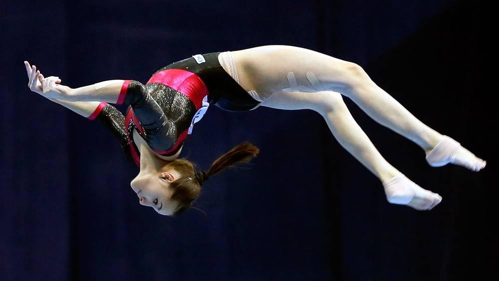 Румынская гимнастка Диана Булимар