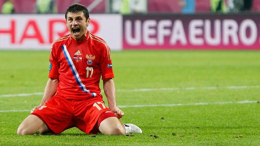 Алан Дзагоев на матче чемпионата Европы по футболу 2012: Россия - Чехия - 4:1