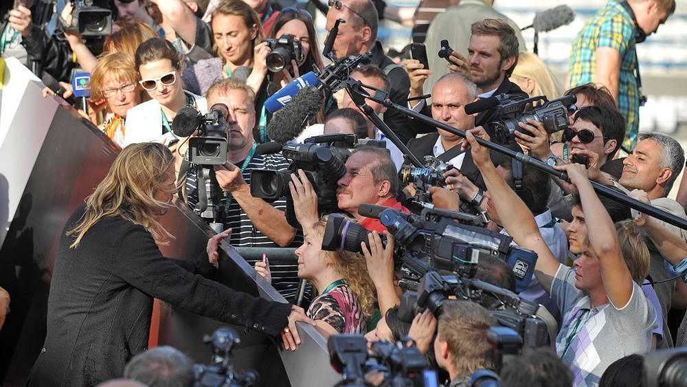 Голливудский актер Брэд Питт перед церемонией открытия