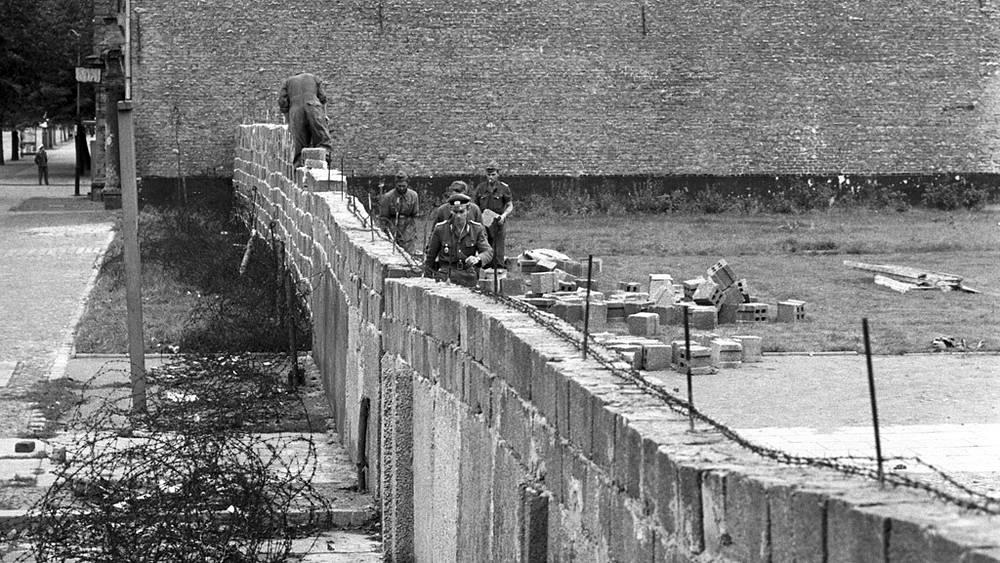 Возведение стены, 1961 год