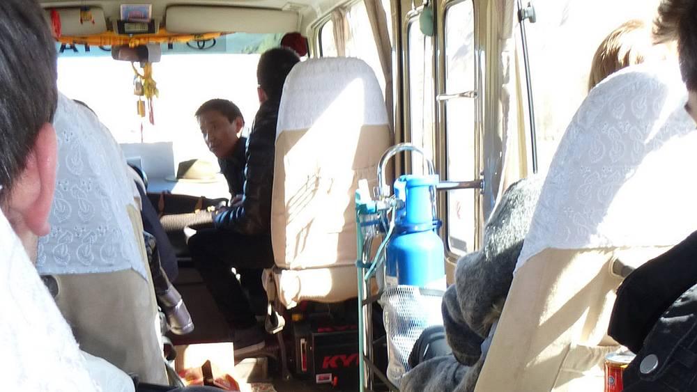 Автобус, оборудованный кислородными приборами