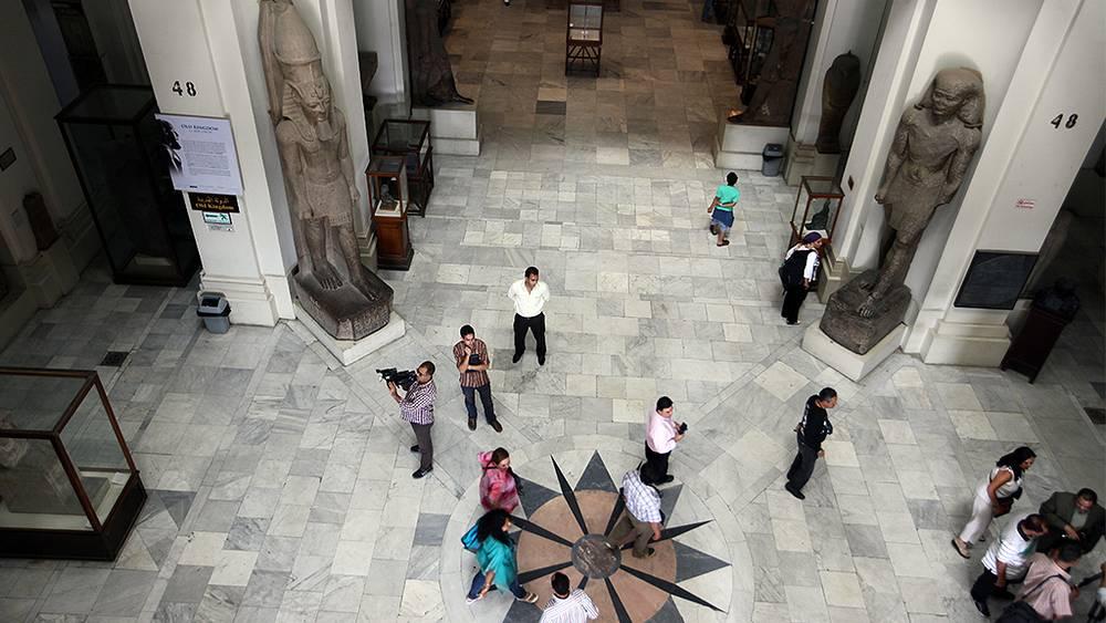 Главный холл Египетского музея в Каире. Фото EPA/KHALED ELFIQI