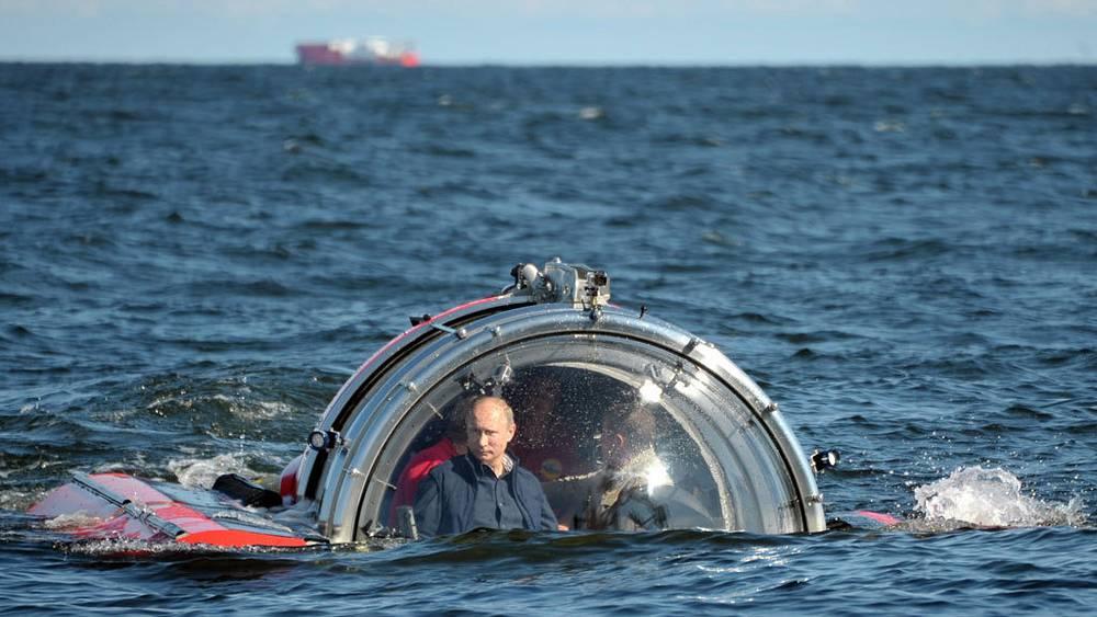 """Во время погружения на подводном аппарате """"Си-эксплорер-5"""" в Финский залив. Фото ИТАР-ТАСС/ Алексей Никольский"""