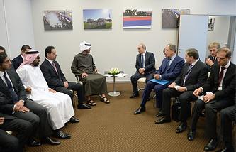 Наследный принц Абу-Даби Мухаммед Аль Нахайян и президент РФ Владимир Путин