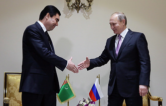 Президент Туркменистана Гурбангулы Бердымухамедов и президент России Владимир Путин