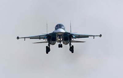 Ten Su-34 fighter-bombers hold maneuverable aerial battle in Urals drills