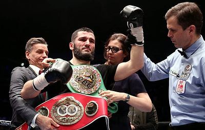 Russia's WBC and IBF Champ Beterbiev to square off with US boxer Joe Smith Jr. this fall