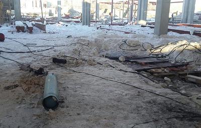 Двое пострадавших при взрыве баллона на стройке на Урале находятся в реанимации