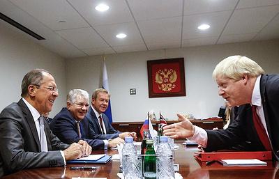 Лавров и Джонсон обсудили по телефону подготовку визита главы МИД Британии в РФ
