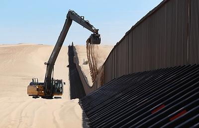 Палата представителей США одобрила выделение средств на проект стены на границе с Мексикой