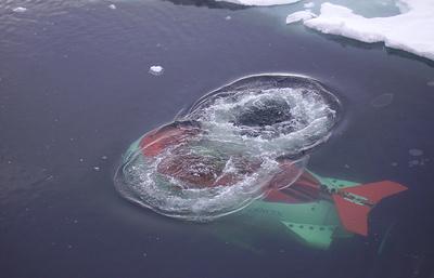 Эксперты: в Арктике потребуется технология подледного погружения обитаемых аппаратов