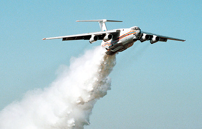 Самолет МЧС России продолжит работу в районе лесного пожара в Армении
