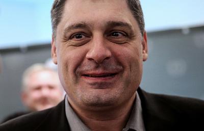 Шишханов заявил о готовности передать свою долю в Бинбанке за рубль