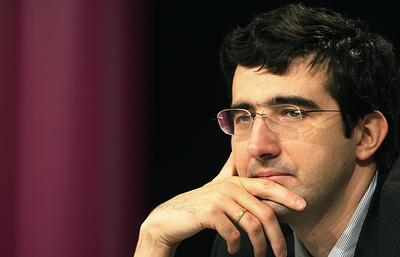 Российский гроссмейстер Крамник примет участие в турнире претендентов