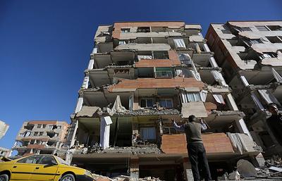СМИ: число погибших при землетрясении на границе Ирана и Ирака превысило 400 человек