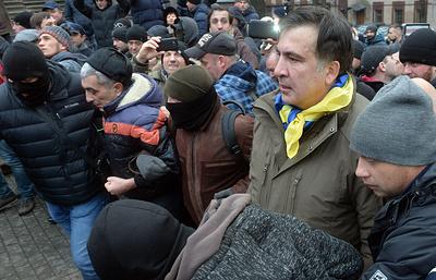 Саакашвили сообщил о нападении на палаточный лагерь возле Рады