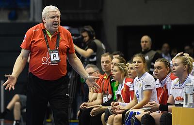 Главный тренер сборной России по гандболу Трефилов извинился за поражение в 1/4 финала ЧМ