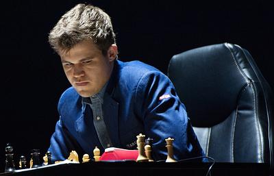 Шахматист Федосеев уступил Карлсену в 12-м туре чемпионата мира по рапиду
