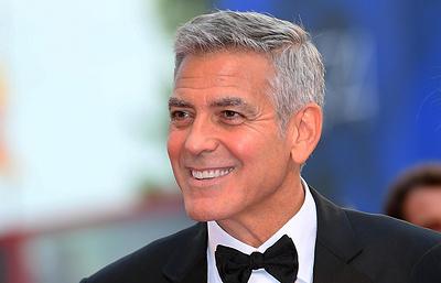 Компания Hulu подтвердила, что Джордж Клуни снимет для нее экранизацию романа «Уловка-22»
