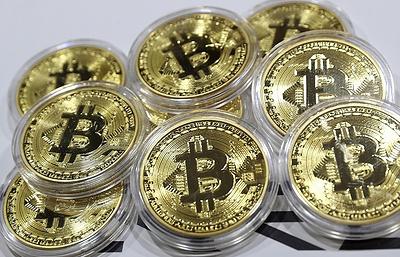 Курс биткоина упал более чем на 25% за сутки
