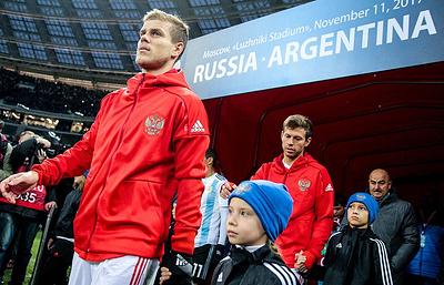 Сборная России по футболу осенью проведет товарищеские матчи с чехами и немцами