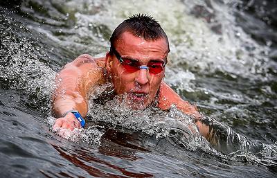 Россиянин Абросимов завоевал серебро на этапе Кубка Европы по плаванию в открытой воде