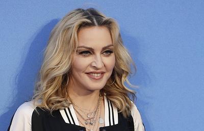 NYT: суд в США разрешил продать на аукционе личные письма и фото Мадонны