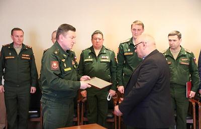 Сын фронтовика на Урале получил удостоверение к ордену Красной звезды отца через 76 лет
