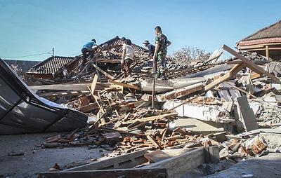 Последствия землетрясения на индонезийском острове Ломбок