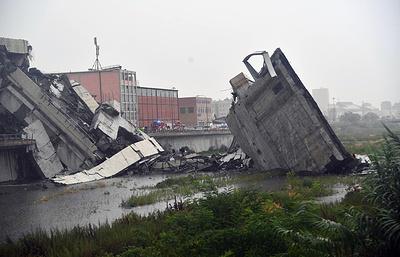 СМИ: автомобильный мост обрушился близ Генуи