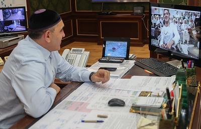 Глава Ингушетии по видеосвязи пообщался с отправившимися в хадж жителями республики