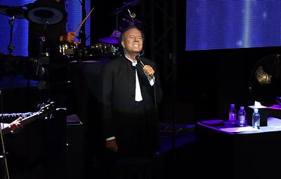 Хулио Иглесиас выступил в Москве в рамках своего юбилейного турне