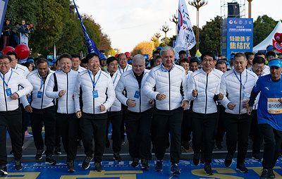 Генсек ШОС дал старт 3-му Международному марафону в Куньмине