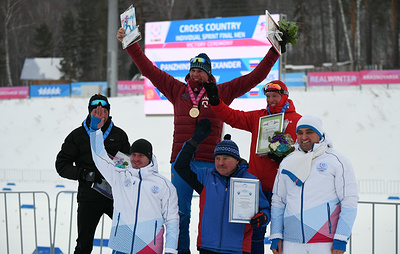 Александр Панжинский стал победителем I этапа Кубка России по лыжным гонкам в спринте
