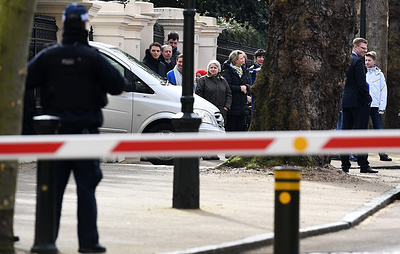 Российские дипломаты обвинили Лондон в создании «токсичной атмосферы» вокруг посольства РФ