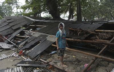 В Индонезии 62 человека погибли из-за цунами photo