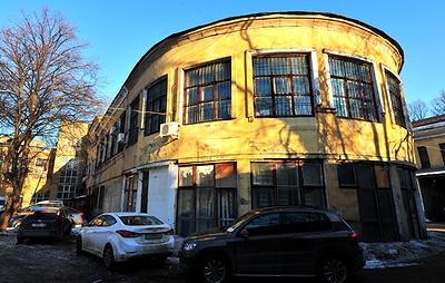 """В Москве планируют отреставрировать """"павильон-самолет"""" в Хамовниках"""