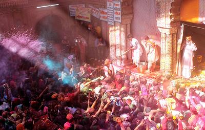 В Индии начали отмечать праздник Холи